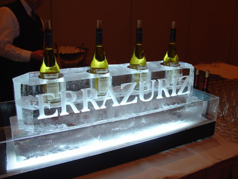 Errazuriz bottle presentation