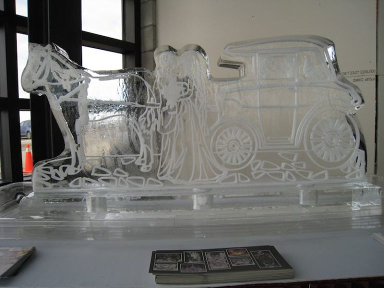 Horse Drawn Carriage Wedding Sculpture